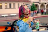 """Lil Pump – """"Gucci Gang"""" (Official Music Video)"""